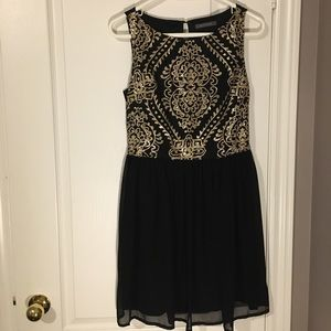 Suzy Shier black and gold sequined dress